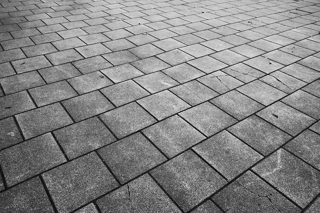 pavement-3147099_640